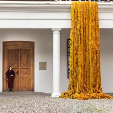 Reencuentro de Sheila Hicks llega al Museo Precolombino